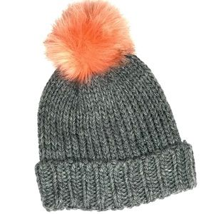 NWOT Express knit hat with faux fur pom